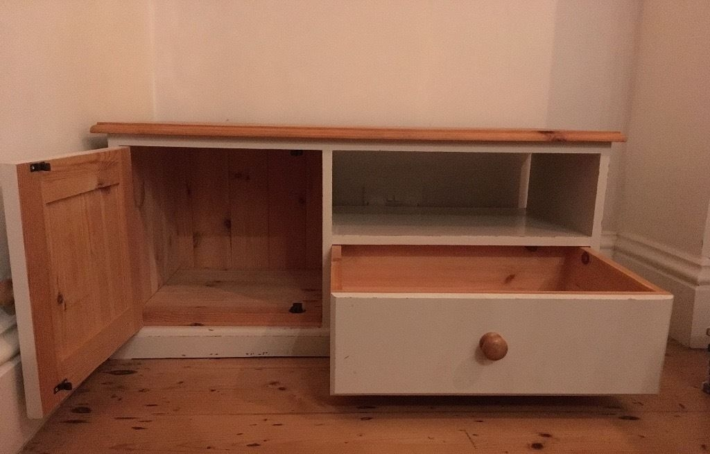 Impressive New Solid Pine TV Cabinets Regarding Solid Pine Tv Cabinet With Cupboard Drawer In Redfield (Image 27 of 50)