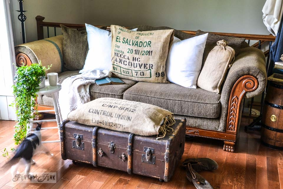 Impressive Preferred Old Trunks As Coffee Tables Intended For Old Trunk Coffee Table Idi Design (Image 29 of 50)