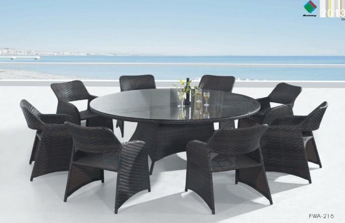 Innovative Outdoor Round Dining Table For 8 Outdoor Round Dining Inside 8 Seat Outdoor Dining Tables (View 3 of 20)