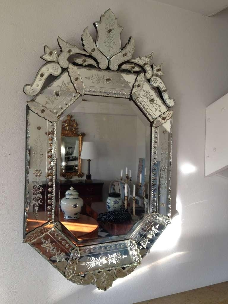 Interior: Vintage Venetian Mirror For Classic Interior Decor Intended For Modern Venetian Mirrors (Image 10 of 20)