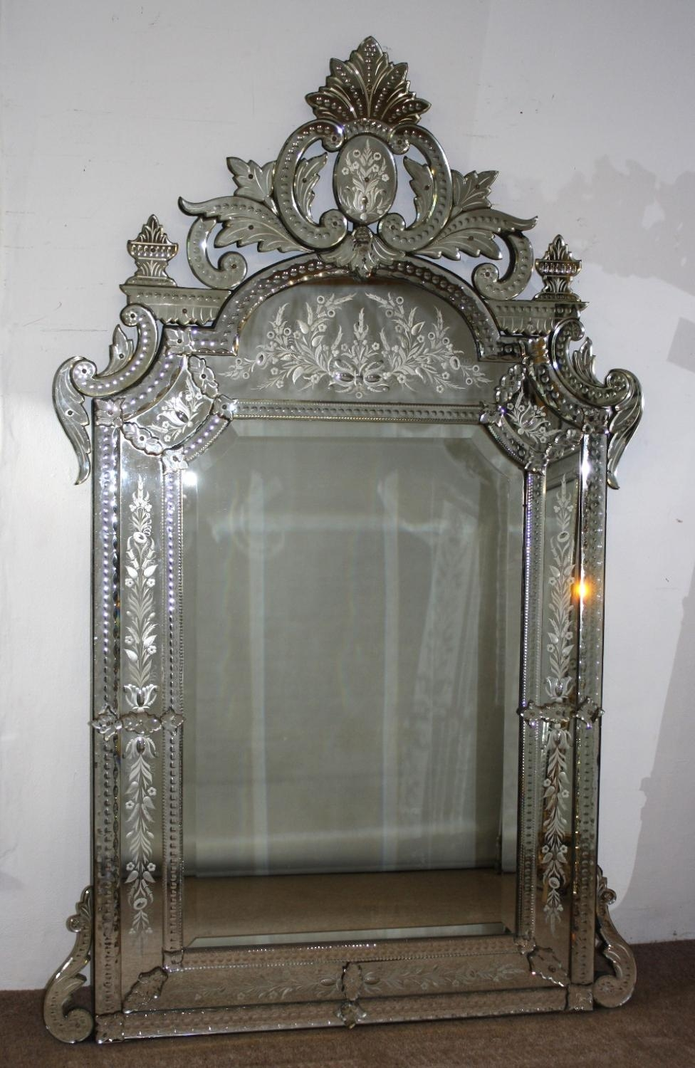 Featured Image of Large Venetian Mirrors