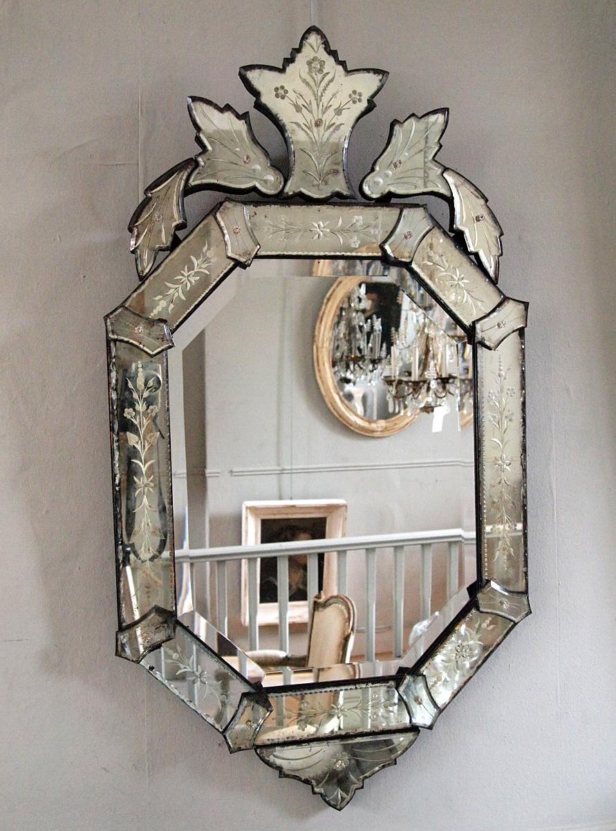 Interior: Vintage Venetian Mirror For Classic Interior Decor Within Extra Large Venetian Mirror (Image 15 of 20)