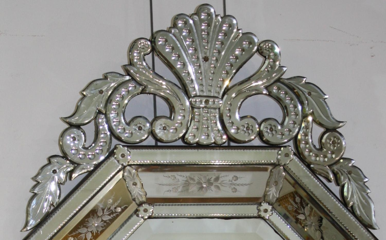 Large And Impressive Venetian Mirror In Venetian Mirrors Antique (Image 12 of 20)