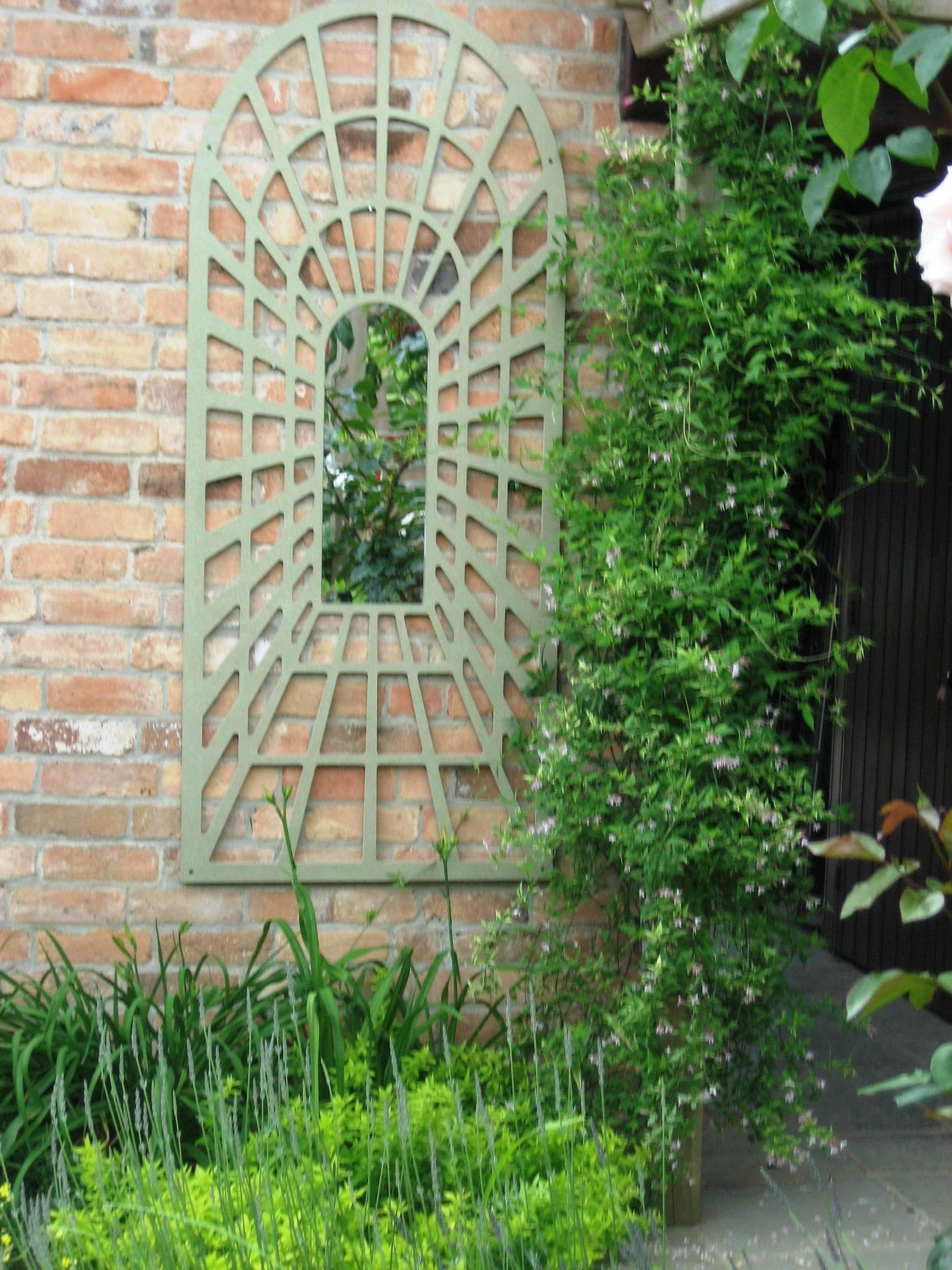 Large Antique White Round Arch Garden Mirror 18 Dazzling Mirror Throughout Large Garden Mirrors (Image 17 of 20)
