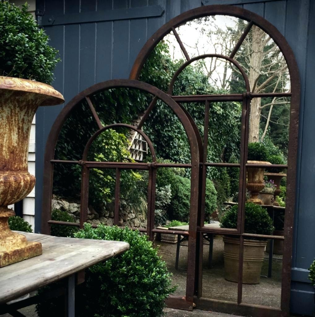 Featured Image of Large Garden Mirrors