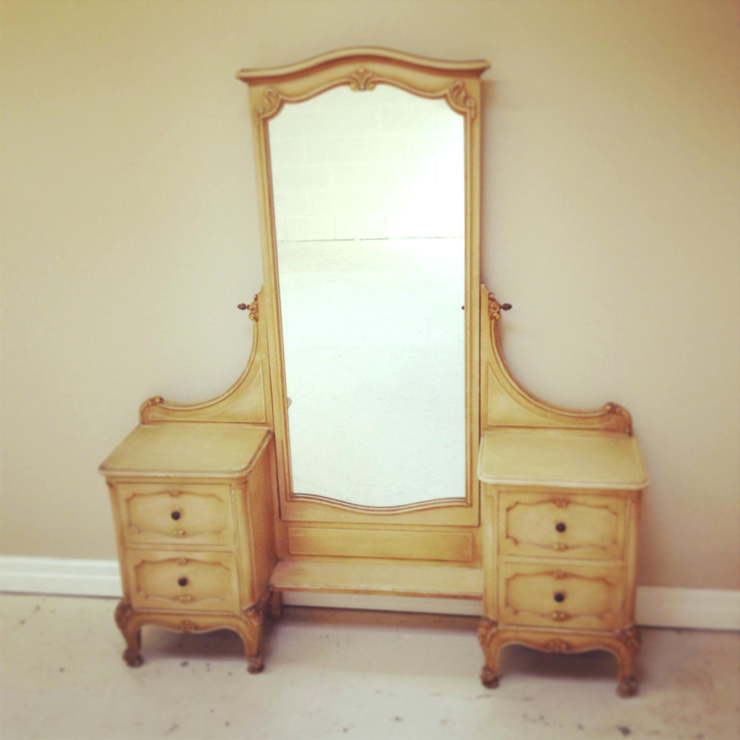 Long Mirror Dressing Table – Shopwiz Within Long Dressing Mirror (Image 15 of 20)