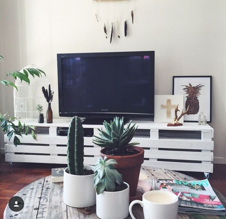Magnificent Best Green TV Stands Regarding Best 25 Low Tv Stand Ideas On Pinterest Living Room Tv Living (Image 32 of 50)