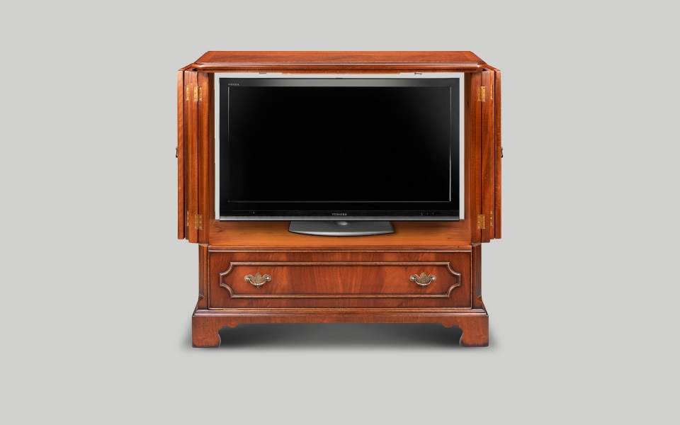 Magnificent High Quality Mahogany TV Cabinets Pertaining To English Reproduction Tv Cabinets Iain James Furniture (View 16 of 50)