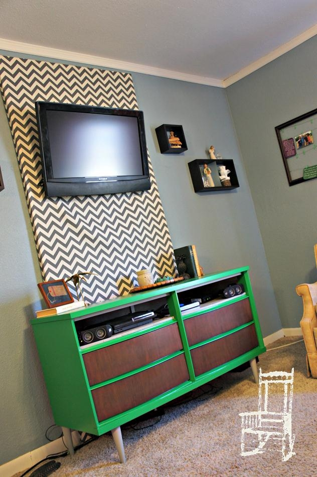 Magnificent Widely Used Green TV Stands Pertaining To Color Of The Year Emerald The Front Poarch (Image 37 of 50)
