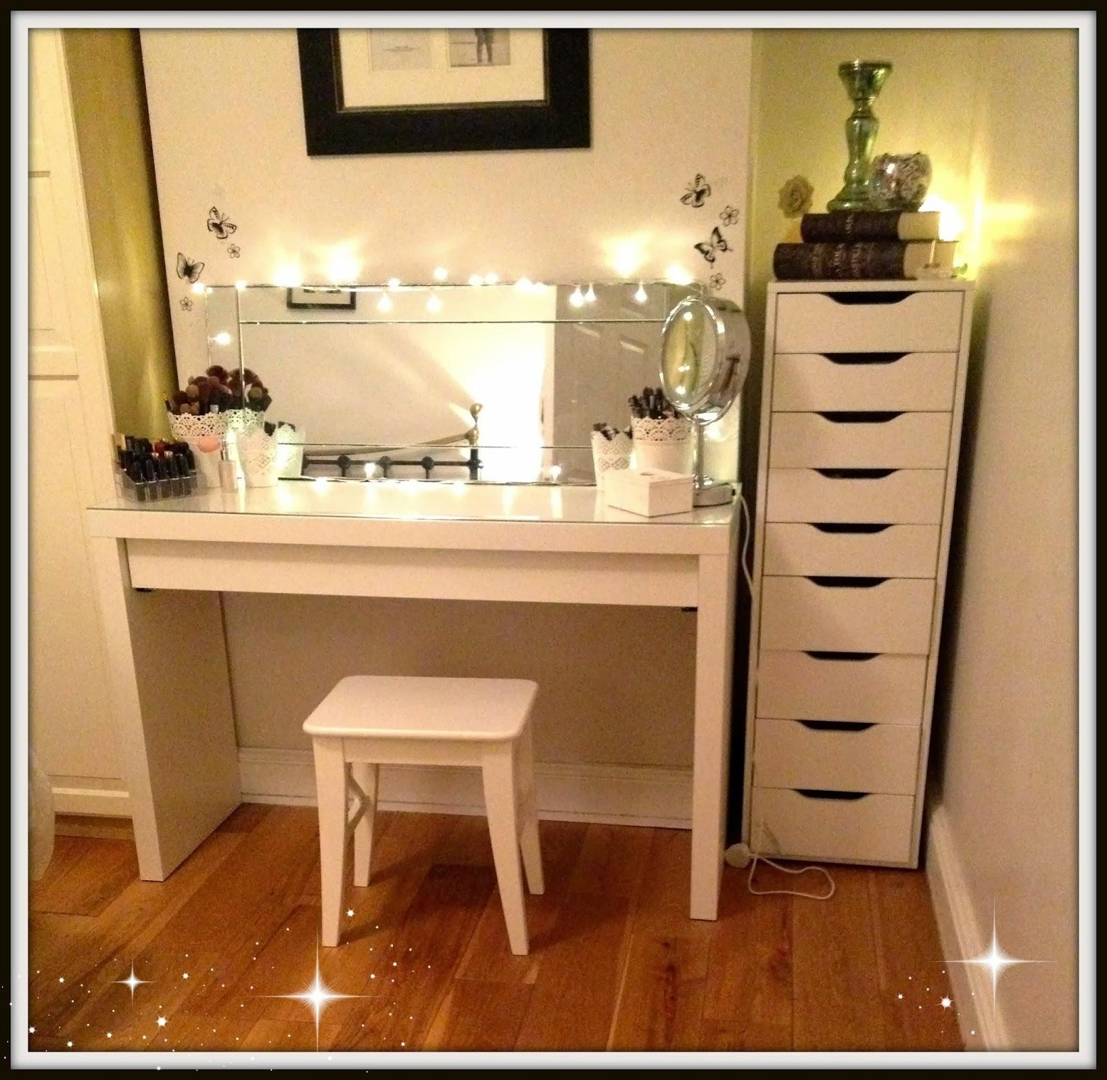 Makeup Vanity Table Furniture | Roselawnlutheran Throughout Illuminated Dressing Table Mirror (View 10 of 20)