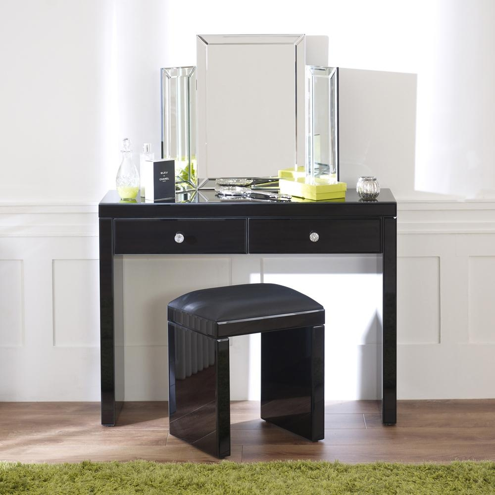 Mirrored Black Dressing Table Set With Plain Vanity Mirror With Regard To Black Dressing Mirror (Image 19 of 20)