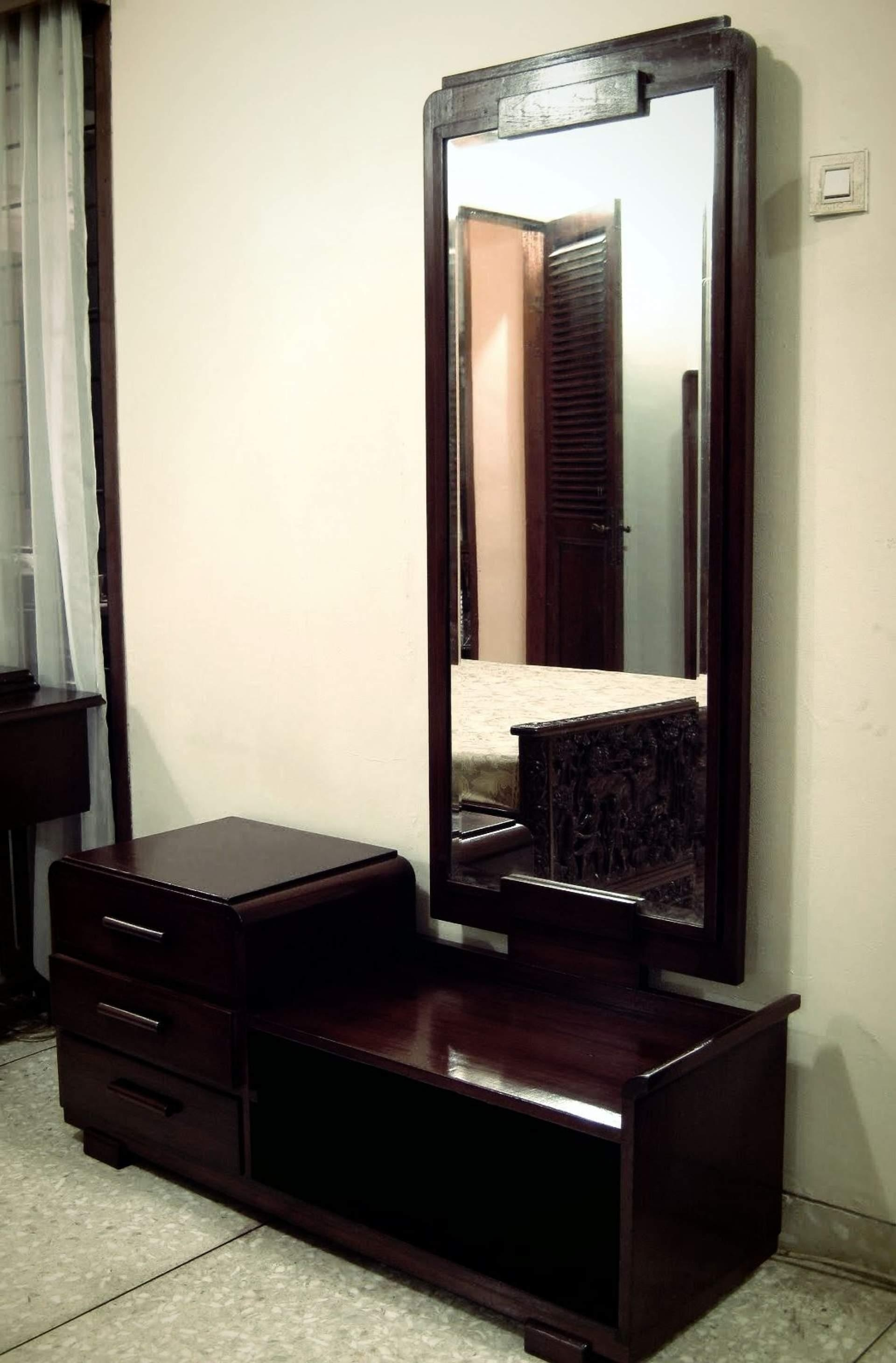 Modern Dressing Table Designs With Full Length Mirror | Bedroom Within Dressing Table With Long Mirror (Image 17 of 20)