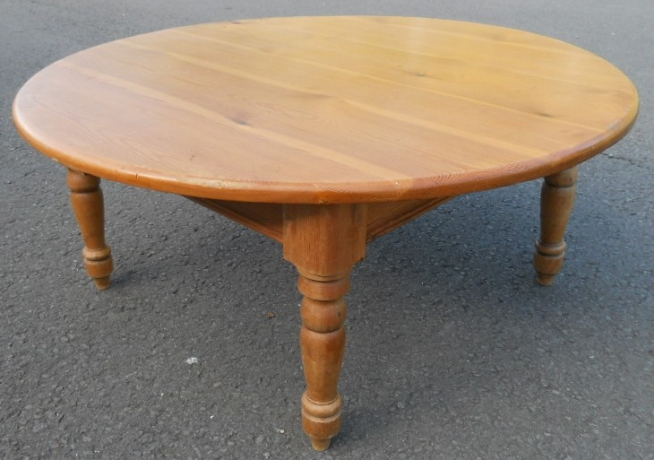 Remarkable Deluxe Pine Coffee Tables Intended For Coffee Table Pine Round Antique Style Coffee Table Round Pine (View 42 of 50)