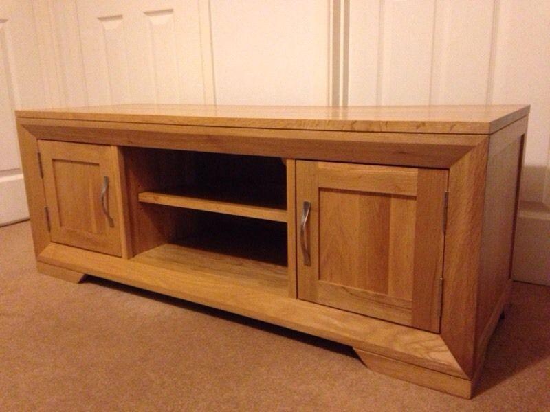 Remarkable Elite Solid Oak TV Cabinets In Oak Furnitureland Solid Oak Bevel Tv Cabinet In Tiverton (View 7 of 50)