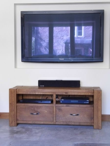 Featured Image of Chunky TV Cabinets