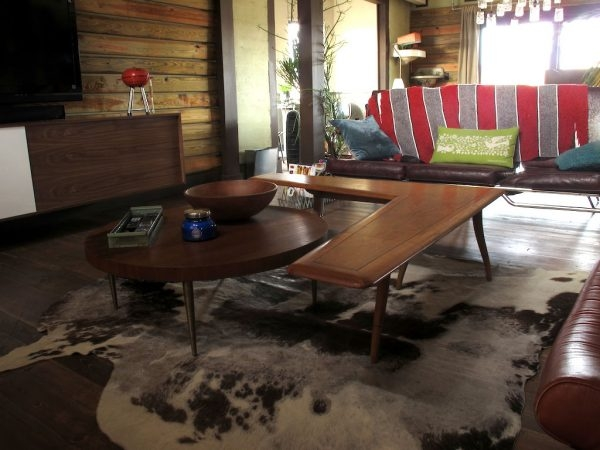 Remarkable Latest L Shaped Coffee Tables With Beauty Cowhide Rug Living Room Under L Shaped Coffee Table Wood (Image 37 of 50)