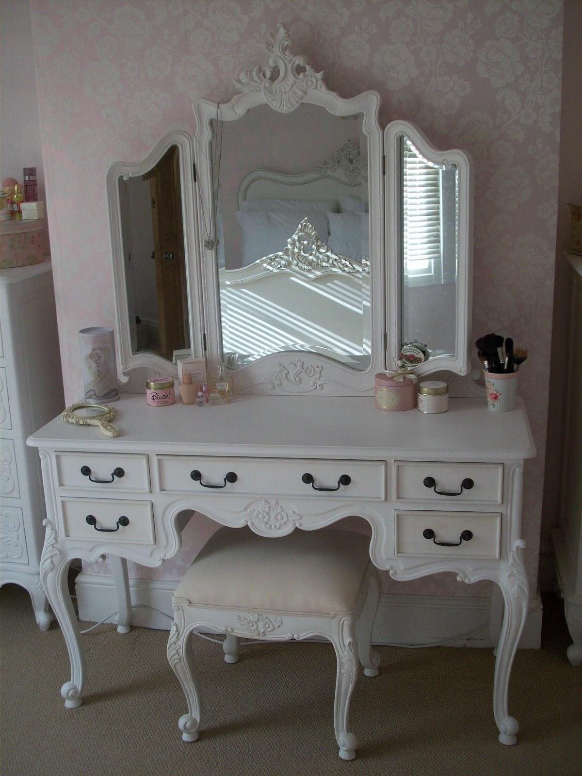 Shabby Chic White Makeup Vanity Set With Plenty Drawers And Tri Regarding Shabby Chic White Mirrors (Image 16 of 20)