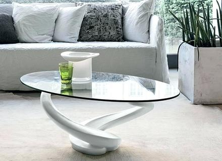 Stunning Best White Oval Coffee Tables Throughout Coffee Table White Glass Jerichomafjarproject (View 34 of 50)