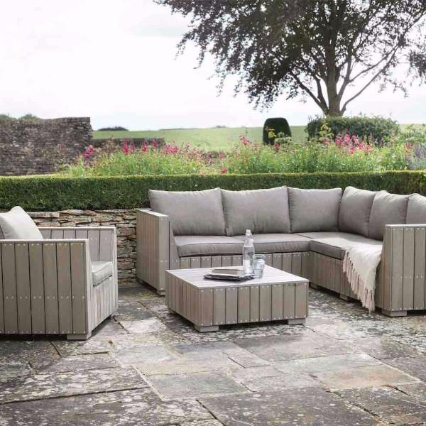 Stunning Common Wooden Garden Coffee Tables Within Coffee Table Garden (View 37 of 50)