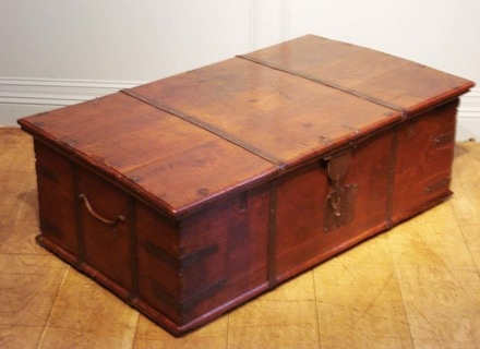 Stunning Elite Dark Wood Chest Coffee Tables For Wood Trunk Coffee Tables Jerichomafjarproject (Image 44 of 50)