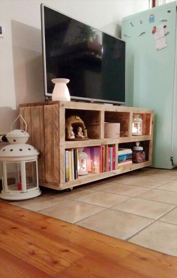 Stunning Favorite Como TV Stands Regarding Diy Pallet Tv Stand Media Console Table 101 Pallets Deco (Image 41 of 50)