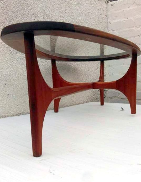 Stunning New Vintage Glass Coffee Tables With 25 Best Oval Glass Coffee Table Ideas On Pinterest Glass Coffee (View 12 of 50)