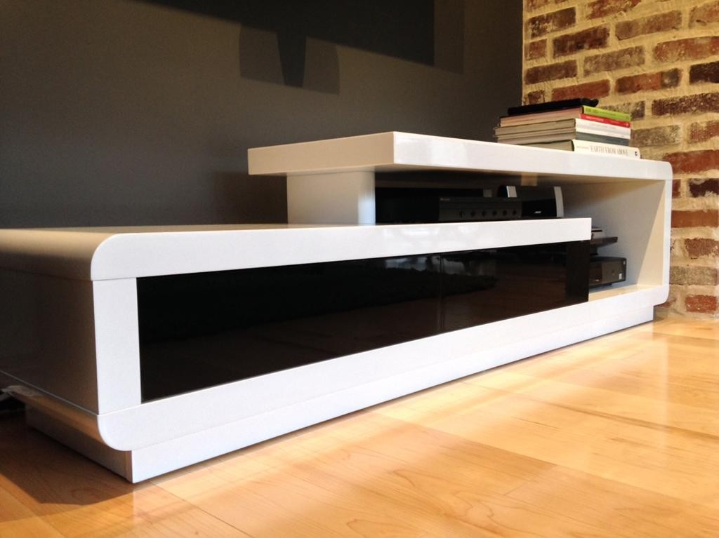 Stunning Unique Modern White Lacquer TV Stands Regarding D3033 Modern White Lacquer Tv Stand (Image 42 of 50)