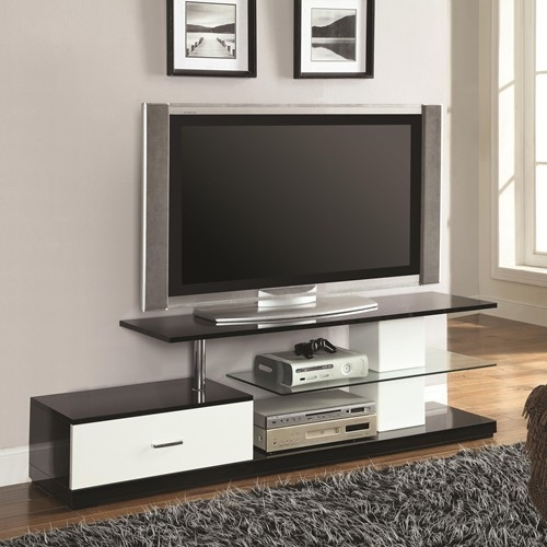 Stunning Wellknown Silver TV Stands Within Furniture Stores Kent Cheap Furniture Tacoma Lynnwood (Image 43 of 50)