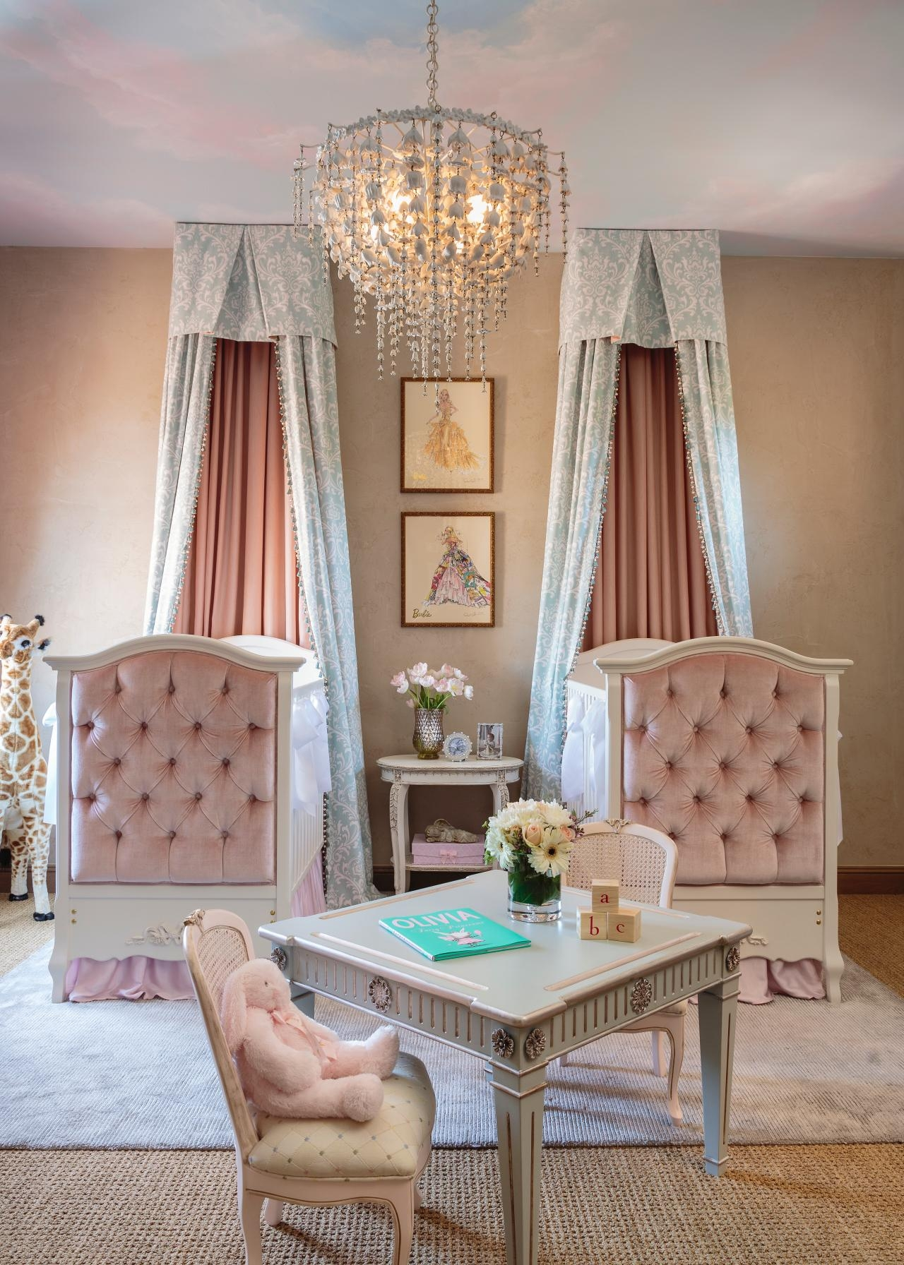 Featured Image of Crystal Chandeliers For Baby Girl Room