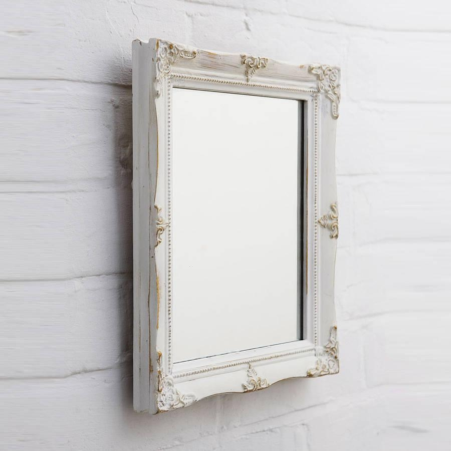 Featured Image of Vintage Style Mirrors