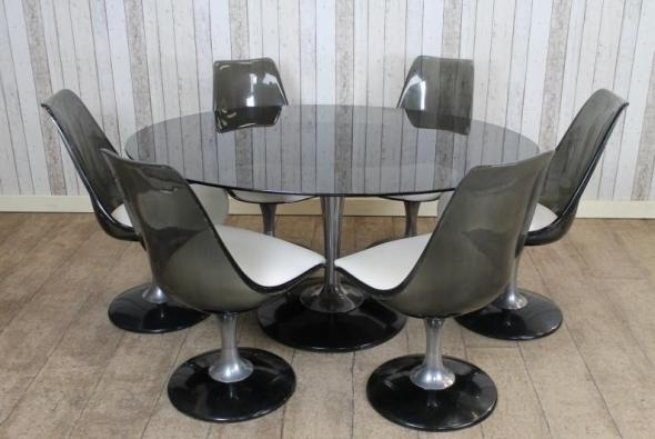 Featured Image of Retro Glass Dining Tables And Chairs