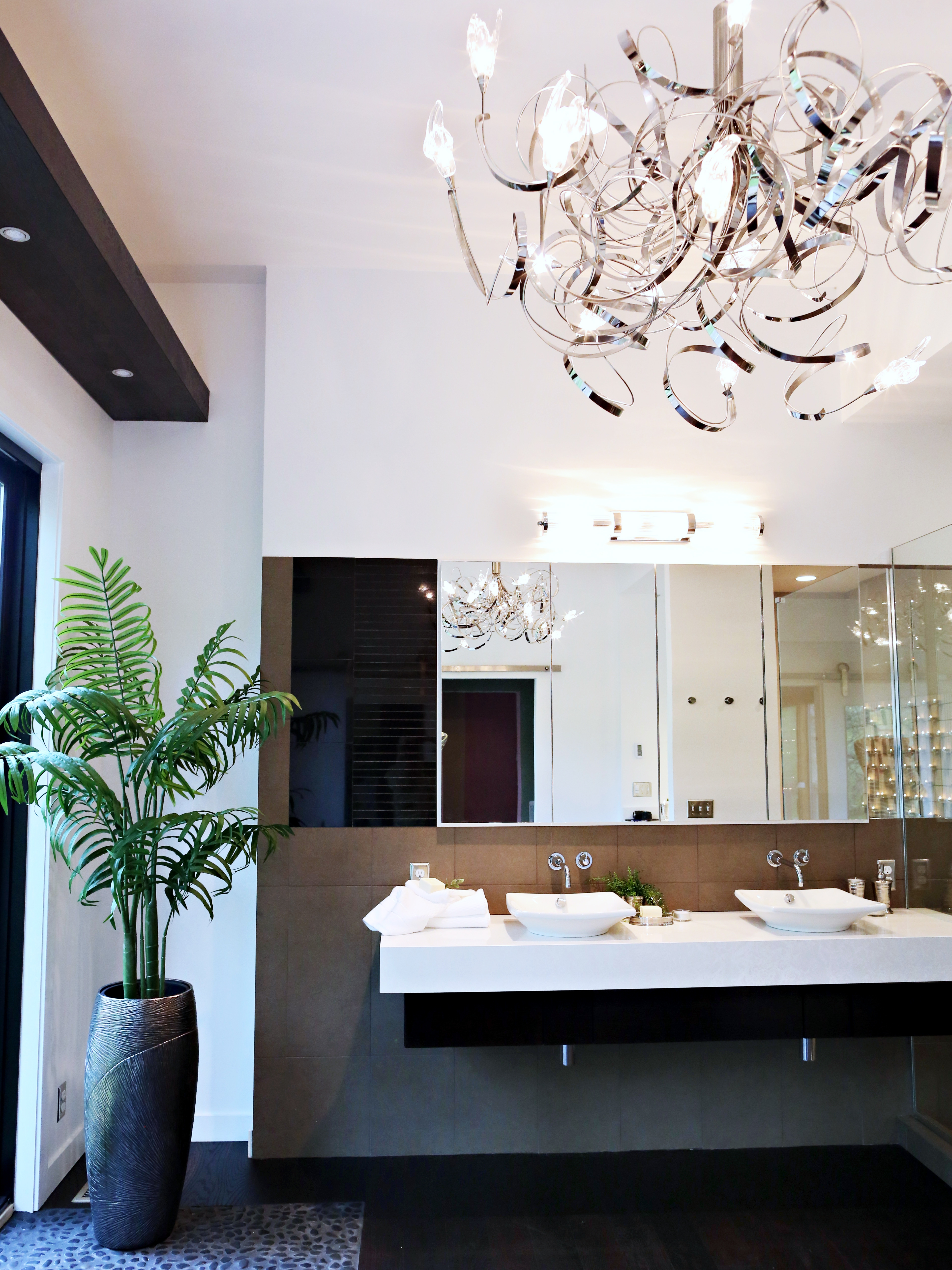 Wonderful Modern Bathroom Chandeliers Modern Bathroom Chandelier Throughout Modern Bathroom Chandelier Lighting (Image 24 of 25)