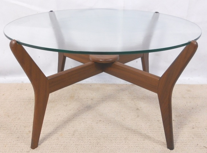 Featured Image of Retro Glass Top Coffee Tables