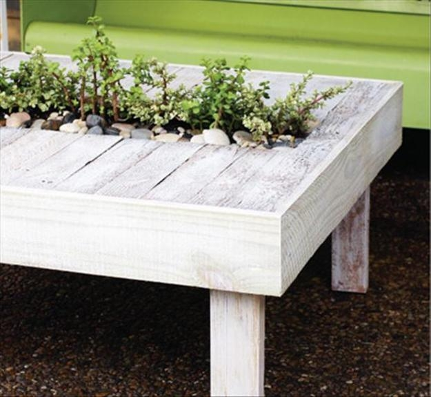 Wonderful Popular Wooden Garden Coffee Tables In 35 Outdoor Furniture And Garden Design Ideas To Reuse And Recycle (View 30 of 50)