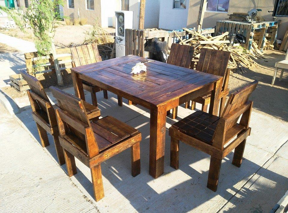 Wooden Pallet Dining Table And Chairs Set | 99 Pallets Regarding Outdoor Dining Table And Chairs Sets (Image 20 of 20)