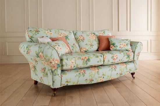12 Floral Pattern Sofa Designs – Rilane Regarding Floral Sofas (Photo 2 of 20)