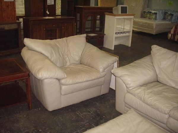 3Pc Sealy Leather Couch, Loveseat, Ottoman For Sealy Leather Sofas (Image 1 of 20)