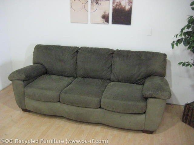 42 Best Green Sofa Images On Pinterest | Green Sofa, Living Room Throughout Green Microfiber Sofas (View 2 of 20)