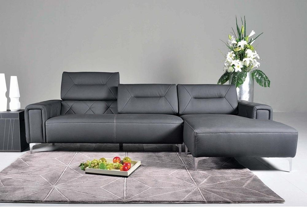 5137 Leather Sectional Sofa In Black Colorj&m Furniture Pertaining To Sofas With Chrome Legs (Image 2 of 20)