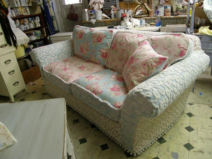 Best 20+ Shabby Chic Sofa Ideas On Pinterest | Shabby Chic Couch For Shabby Chic Sofa Slipcovers (Image 4 of 20)
