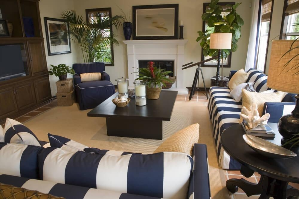 Best Blue And White Sofa 17 Best Ideas About White Sofas On Pertaining To Blue And White Sofas (View 9 of 20)