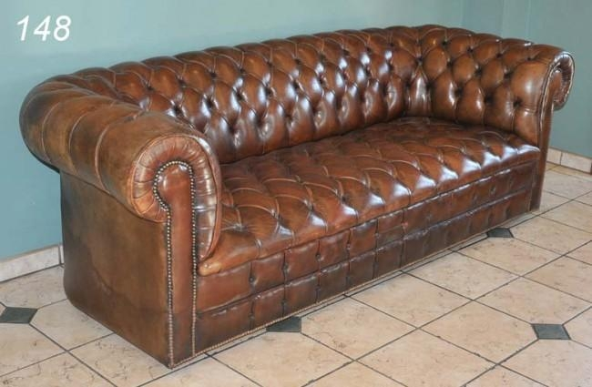 Chic Chesterfield Tufted Leather Sofa Sofa Spectacular On Pertaining To Brown Leather Tufted Sofas (Image 6 of 20)