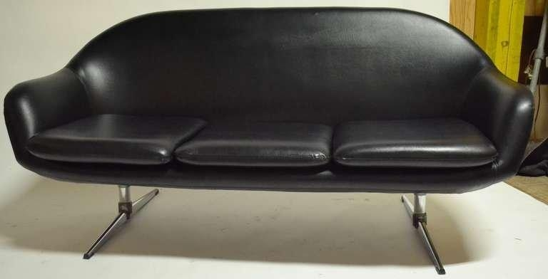 Classic Overman Black Vinyl Mod Sofa At 1Stdibs For Black Vinyl Sofas (Image 7 of 20)