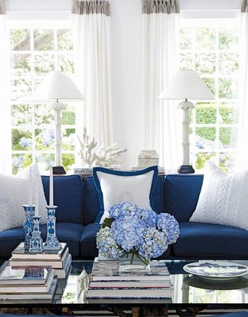 David Lawrence Designs A Blue And White Home Inside Blue And White Sofas (View 4 of 20)