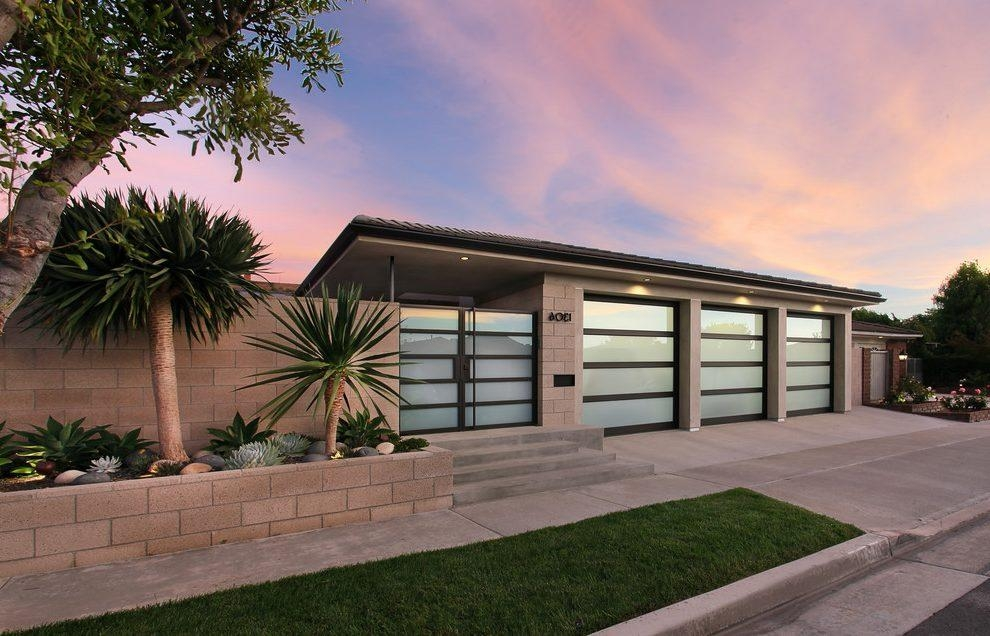 Decorate Garage Exterior Midcentury With Concrete Modern Outdoor In Modern Outdoor Wall Art (Image 13 of 20)
