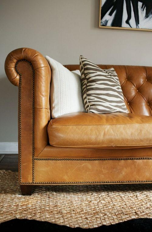 Featured Image of Camel Color Leather Sofas