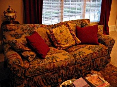 Top Five Interior Design Trends In Brocade Sofas (Image 18 of 20)