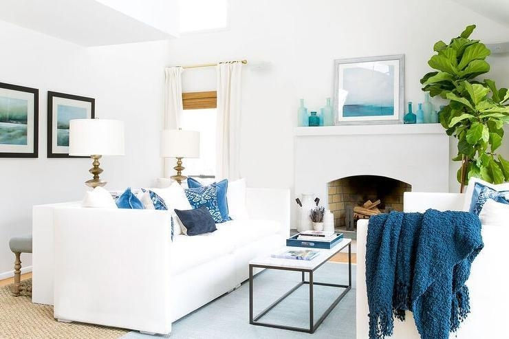 White And Blue Living Room With Face To Face Sofas – Cottage Intended For Blue And White Sofas (View 8 of 20)