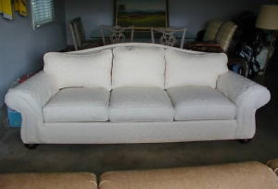 15 Ethan Allen Whitney Sofa | Carehouse Within Ethan Allen Whitney Sofas (Image 5 of 20)