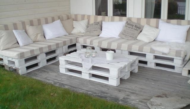 20 Cozy Diy Pallet Couch Ideas | Pallet Furniture Plans Inside Pallet Sofas (Photo 6 of 20)